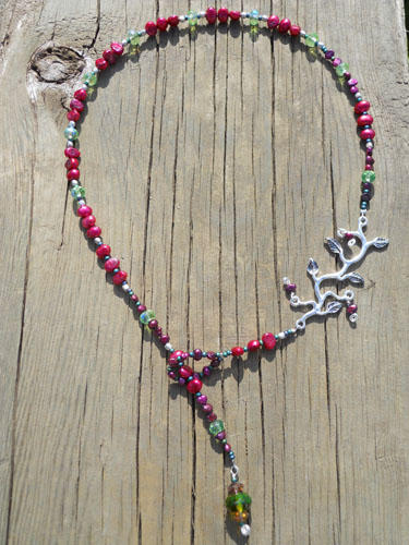 Enchanted Necklace in Maroon & Green