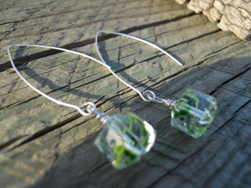 Green Faceted Cube Drop Earrings - Click Image to Close